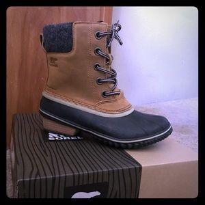 Sorel Slimback II Lace Boot. Brand new!